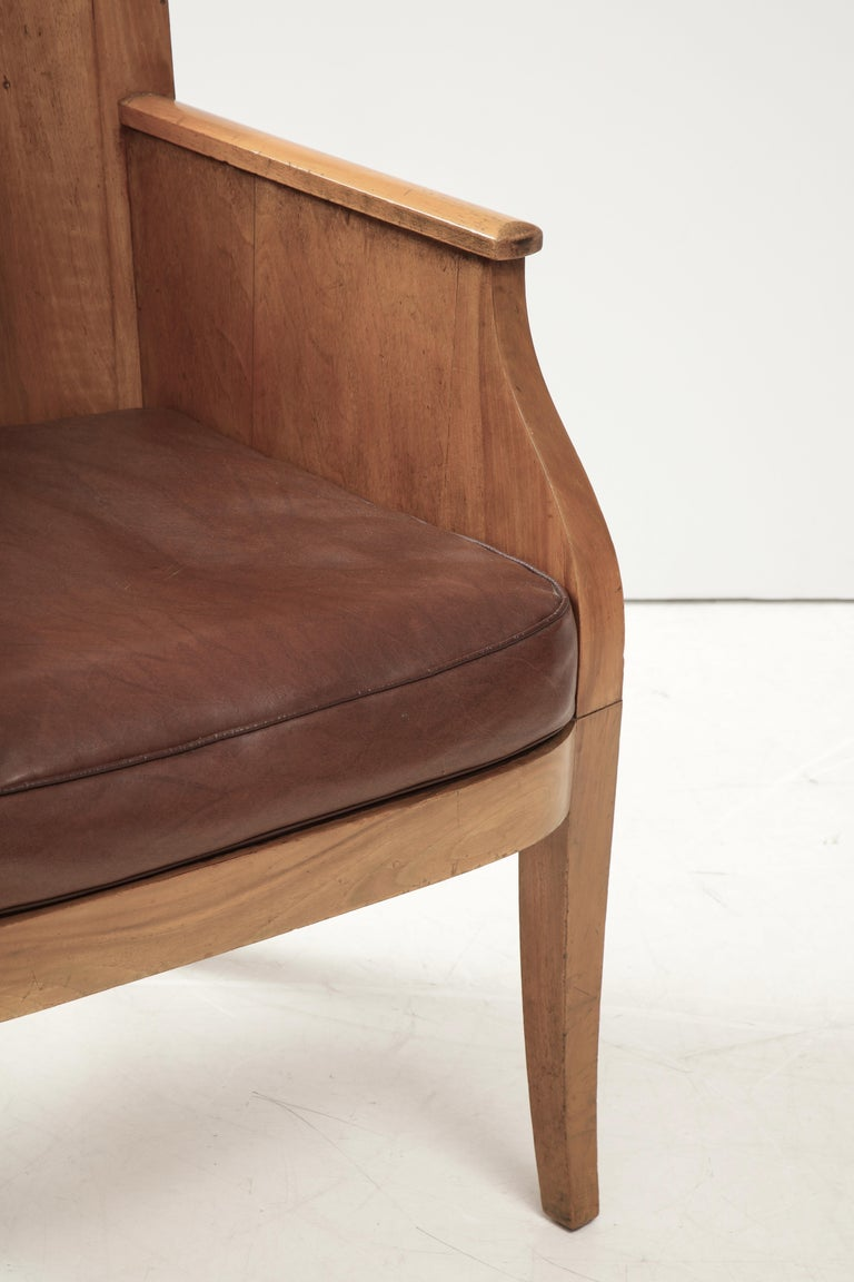 French 40's Oak Chair with Original Brown Leather Seat, France, c. 1940 For Sale 7