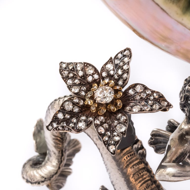 French Antique 19th Century Diamond Silver Gold Flower Pendant In Good Condition For Sale In Poitiers, FR