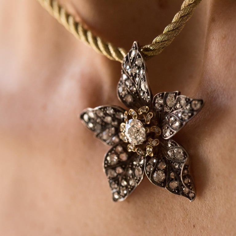 French Antique 19th Century Diamond Silver Gold Flower Pendant For Sale 1