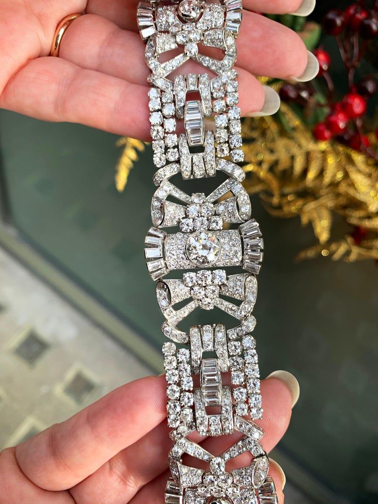French Antique Art Deco Old Cut Diamond Platinum Bracelet, circa 1920s In Good Condition For Sale In London, GB