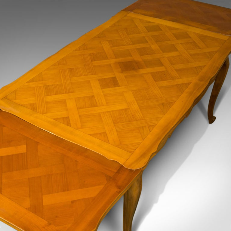 French, Draw Leaf Dining Table, Beech, Extending, Louis XV Revival, circa 1930 In Good Condition For Sale In Hele, Devon, GB