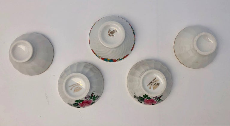 French Antique Tea Bowls or Children's Bowls, 1900s, Set of Five In Good Condition For Sale In Petaluma, CA
