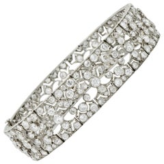 French Art Deco 12.50 Carat Diamond Platinum Fleur de Lis Link Bracelet