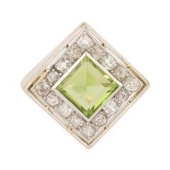 French Art Deco 1.40 Carats Peridot Diamonds 18 Carats Yellow Gold Platinum Ring