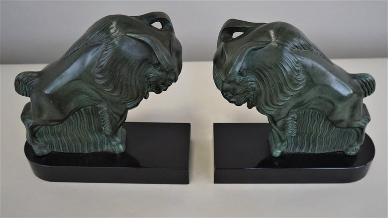 Pair of 1930s Art Deco buffalo/bison bookends Measurement is for one.
