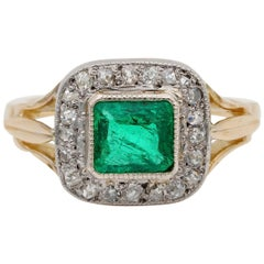 French Art Deco .90 Carat Colombian Emerald .60 Carat Old Diamond Solitaire Ring