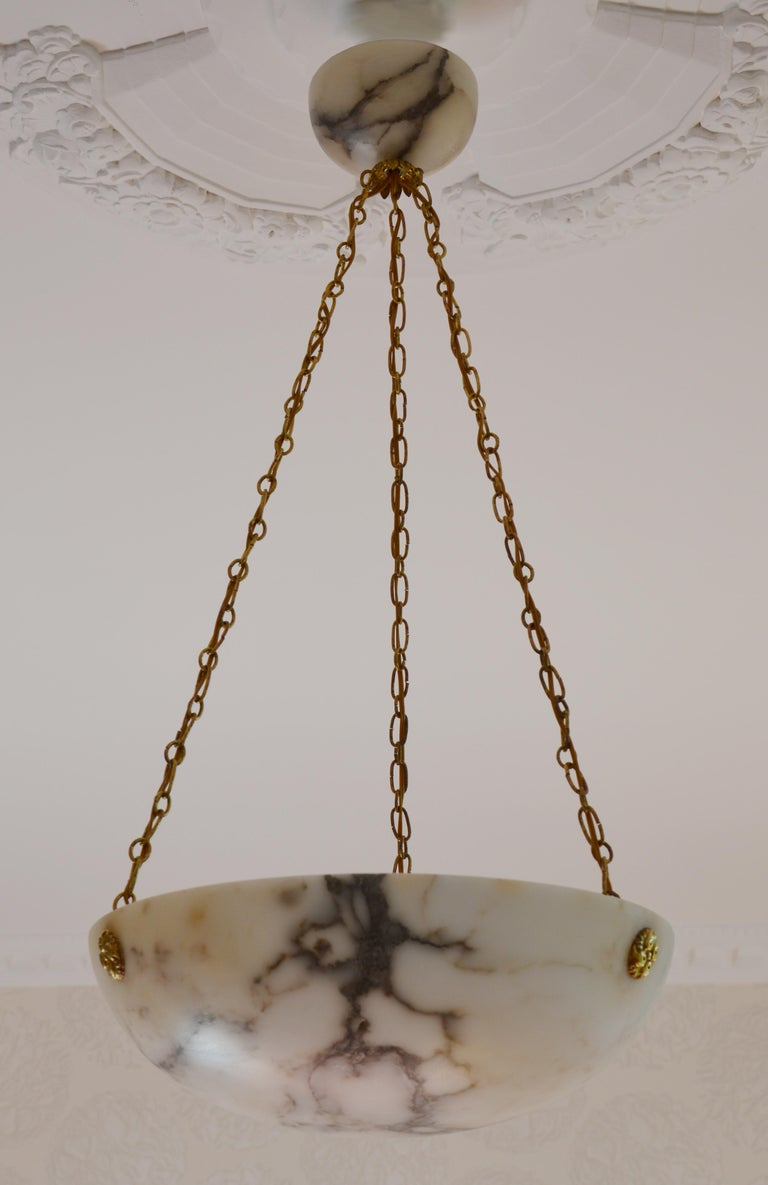 French Art Deco Alabaster Pendant Chandelier, 1920s For Sale 1