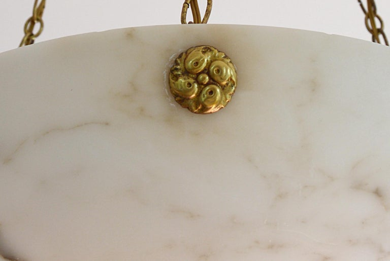 French Art Deco Alabaster Pendant Chandelier, 1920s For Sale 3