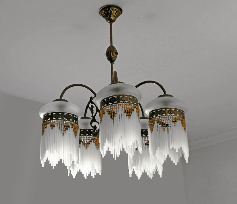French Art Deco & Art Nouveau Amber Beaded Fringe & Cut Glass Globes Chandelier In Good Condition For Sale In Coimbra, PT