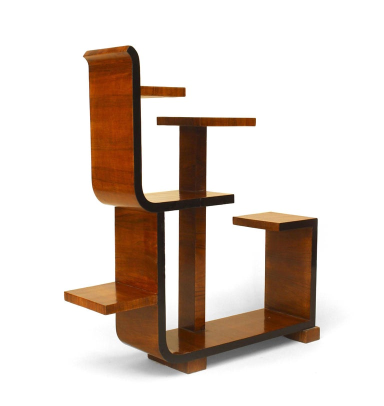 French Art Deco Asymmetrical Walnut Étagère In Good Condition For Sale In New York, NY
