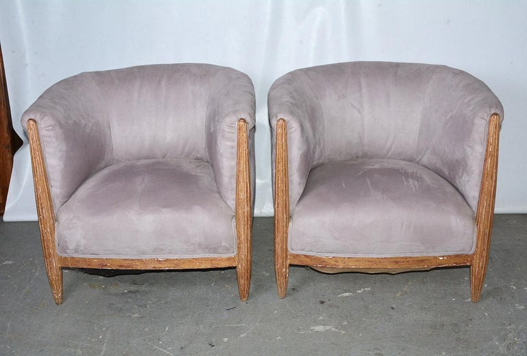 Pair of highly stylish French Art Deco barrel back club chairs with gilt fluted front support. Seat height 14