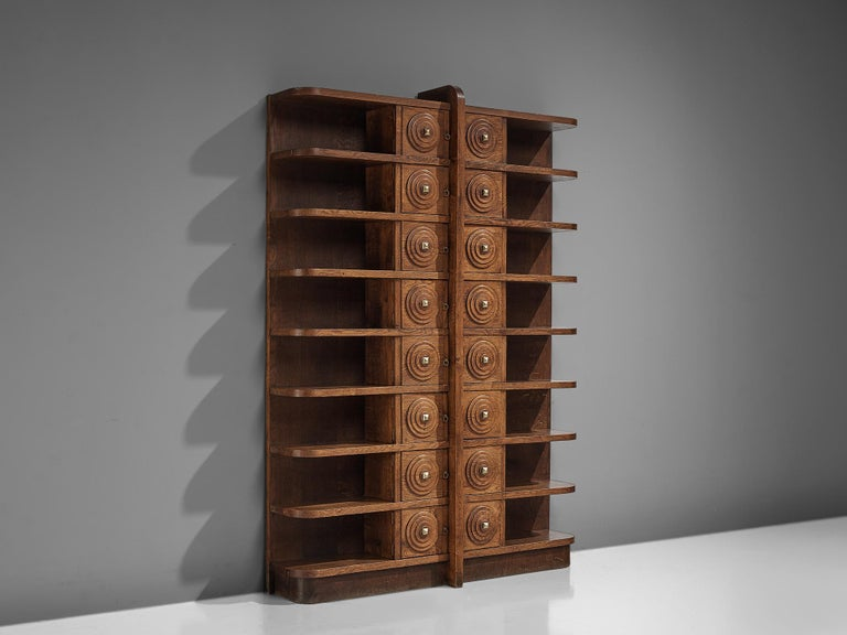 French Art Deco Bookcase in Oak In Good Condition For Sale In Waalwijk, NL