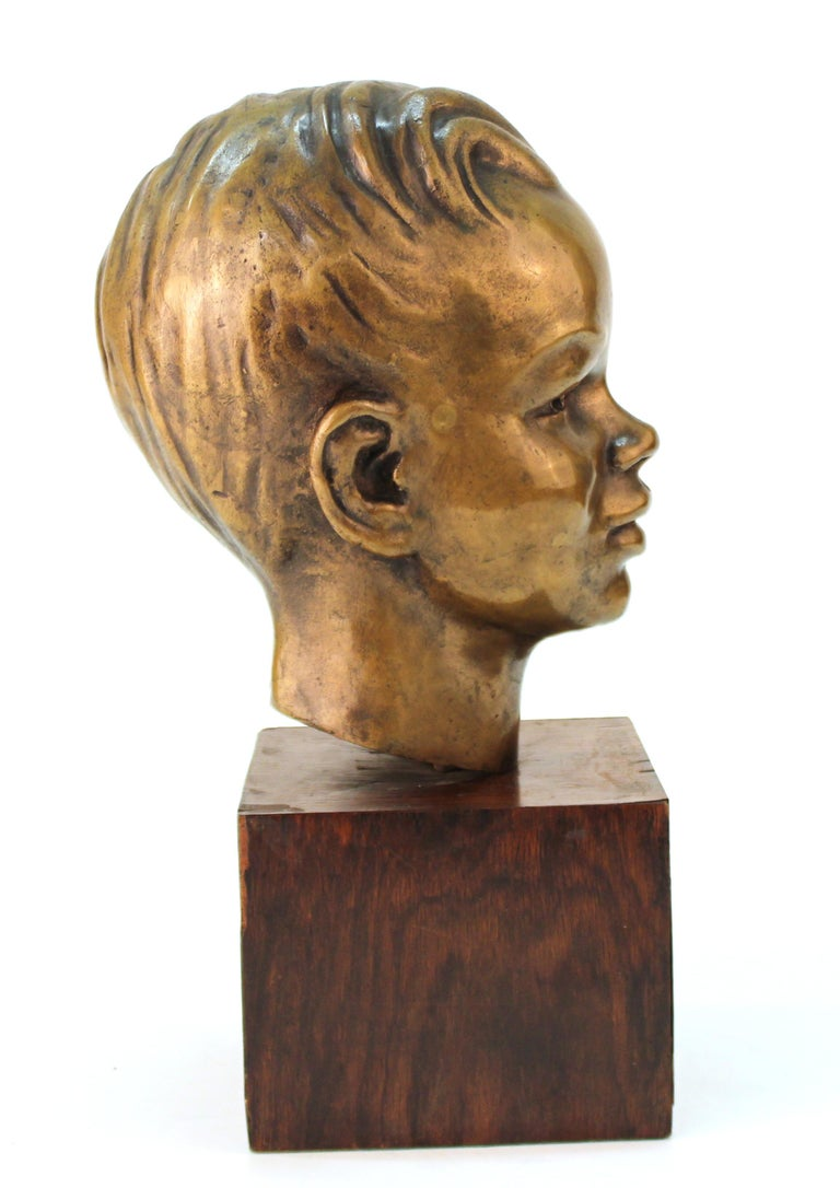 French Art Deco Bronze Bust of a Young Boy In Good Condition For Sale In New York, NY
