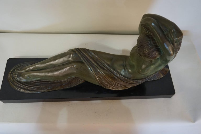 Early 20th Century French Art Deco Bronze Seated Nude by Demeter Chiparus For Sale
