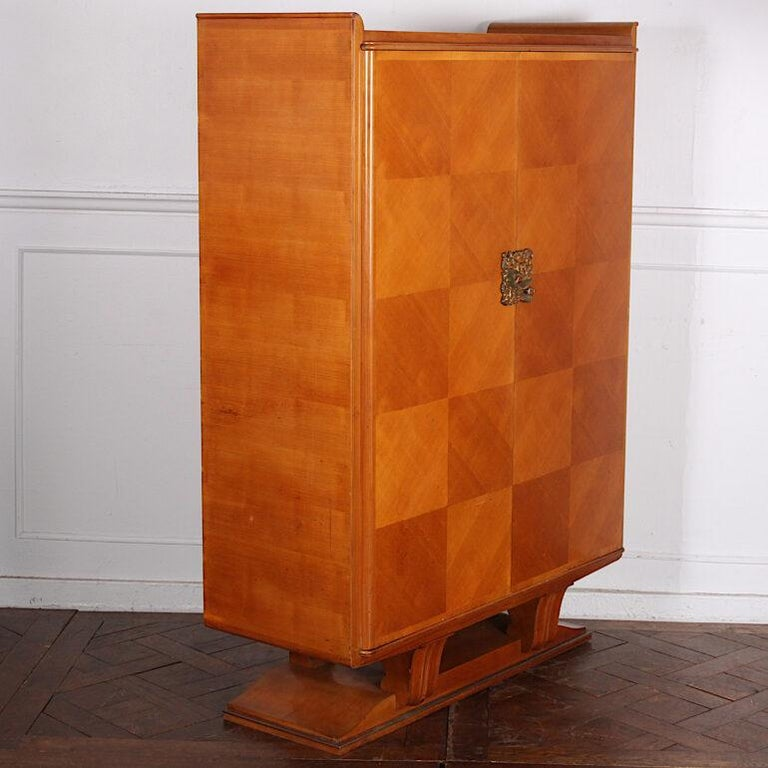 French Art Deco Cabinet In Good Condition For Sale In Vancouver, British Columbia