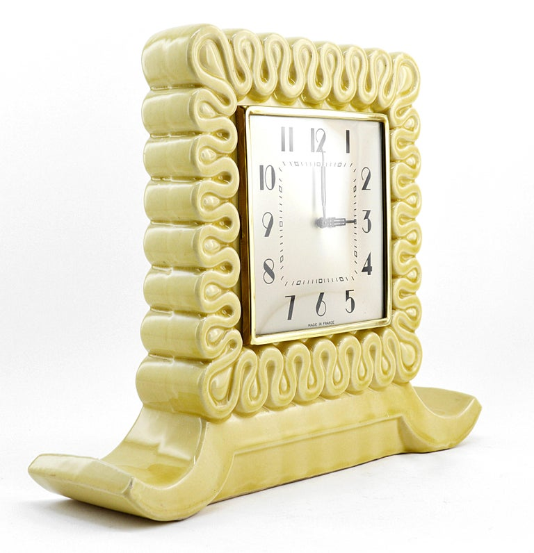 French Art Deco ceramic clock, France, 1930s. Original mechanism. Works perfectly with its charming ticking of yesteryear.
