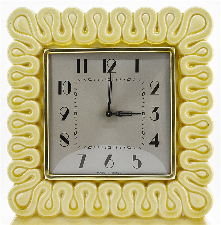French Art Deco Ceramic Table Clock, 1930s In Excellent Condition For Sale In Saint-Amans-des-Cots, FR