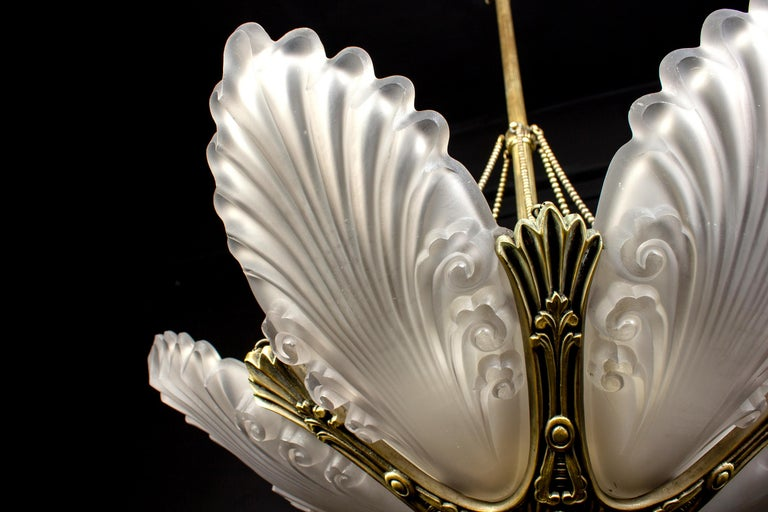 French Art Deco Chandelier, 1930 For Sale 9