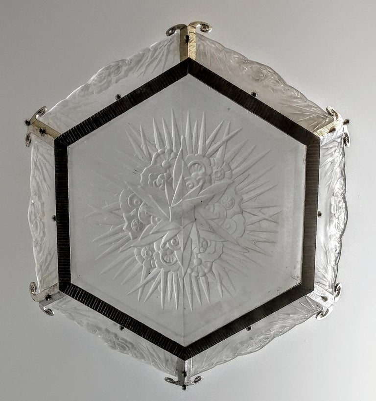 French Art Deco Chandelier by DAUM LORRAIN In Excellent Condition For Sale In Bronx, NY