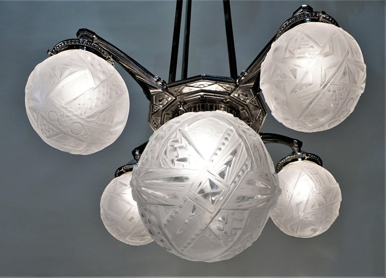 French Art Deco Chandelier by Muller Freres In Good Condition For Sale In Fairfax, VA