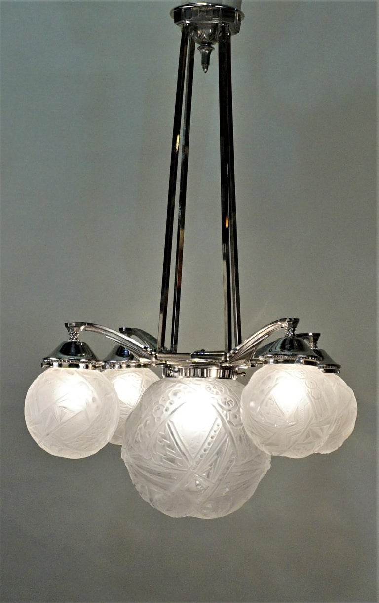 French Art Deco Chandelier by Muller Freres For Sale 2