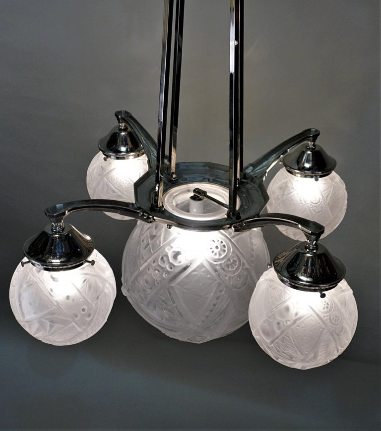 French Art Deco Chandelier by Muller Freres For Sale 3
