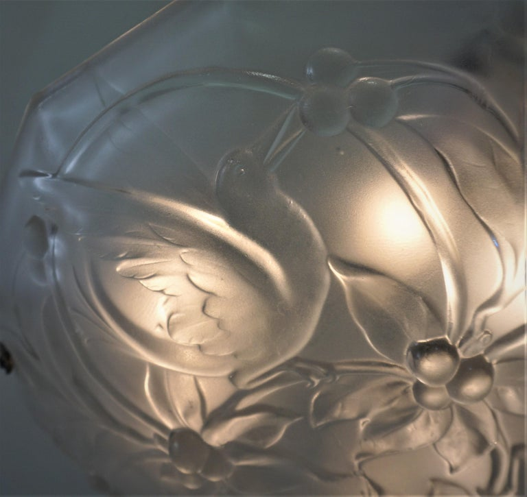 French Art Deco Chandelier with Cherry Eating Birds In Good Condition For Sale In Fairfax, VA