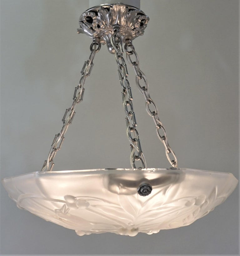 Nickel French Art Deco Chandelier with Cherry Eating Birds For Sale