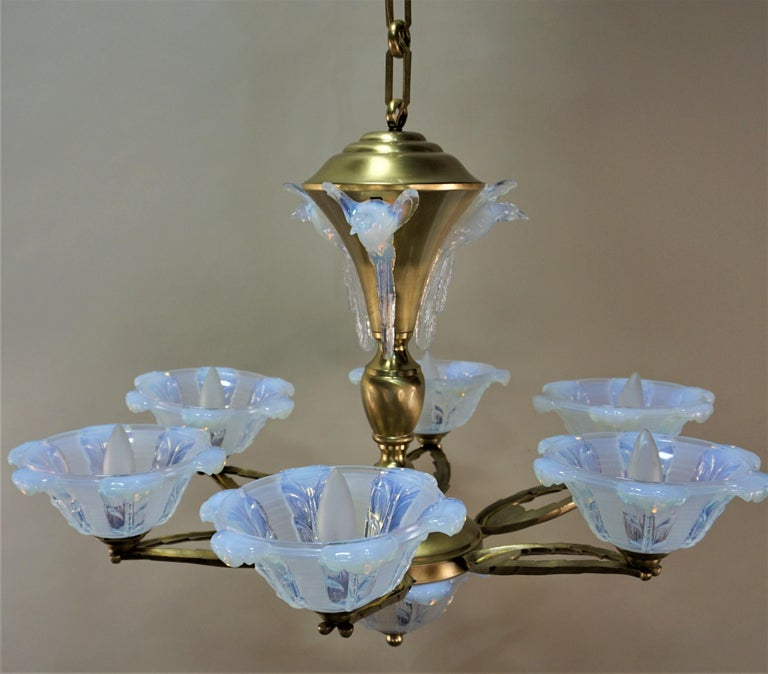 French Art Deco Chandelier with Opalescent Glass Shades by Ezan For Sale 4