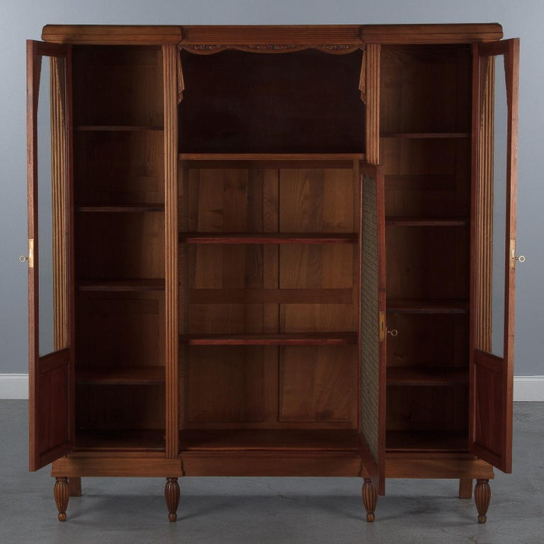 French Art Deco Cherrywood Bookcase, 1930s For Sale 8