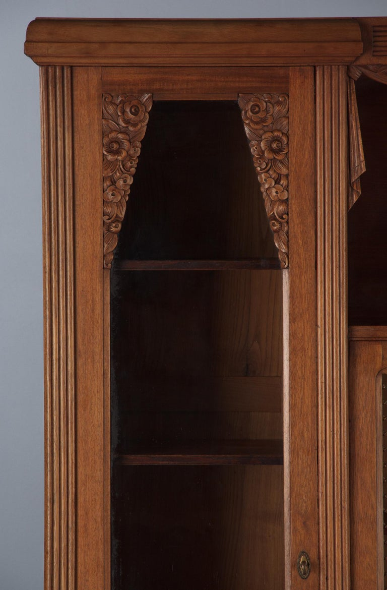 French Art Deco Cherrywood Bookcase, 1930s For Sale 10