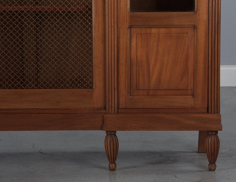 French Art Deco Cherrywood Bookcase, 1930s For Sale 11