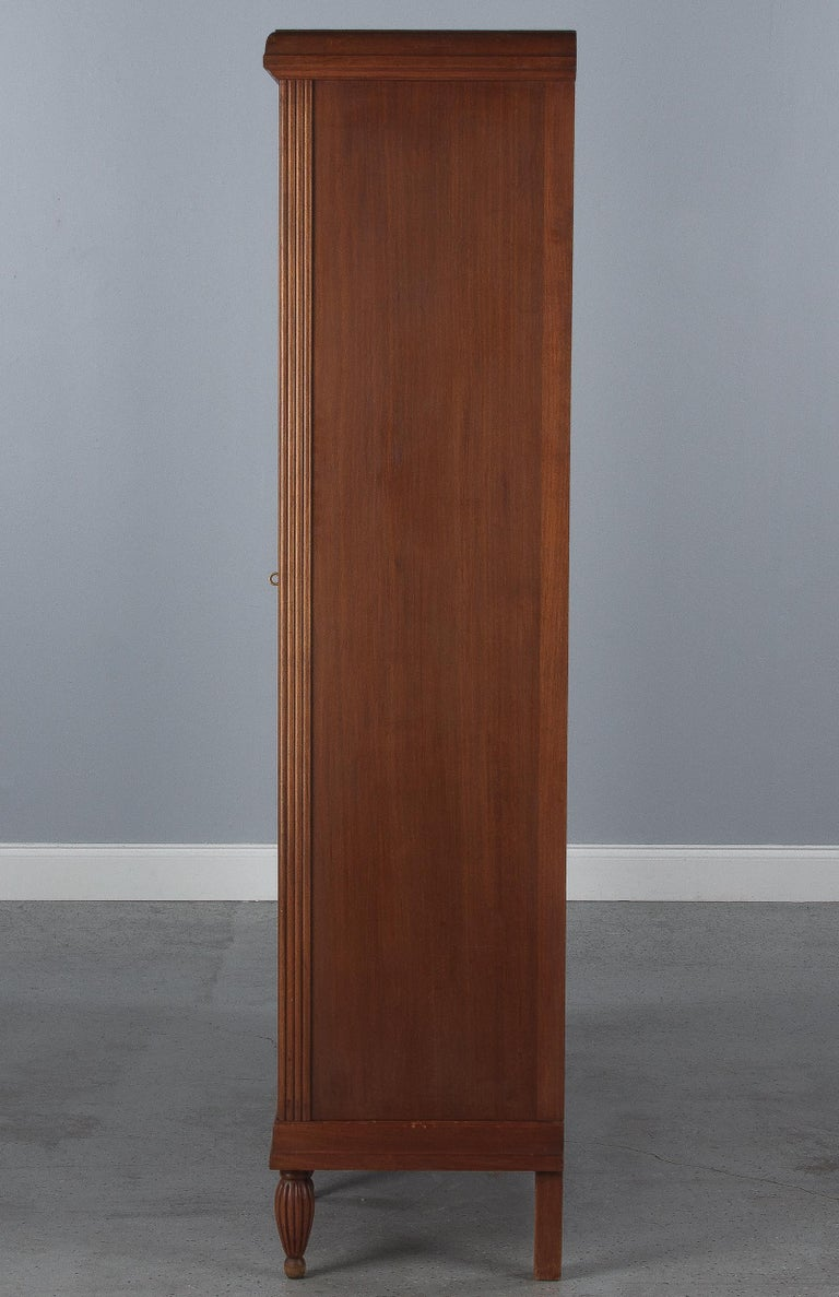 French Art Deco Cherrywood Bookcase, 1930s For Sale 14