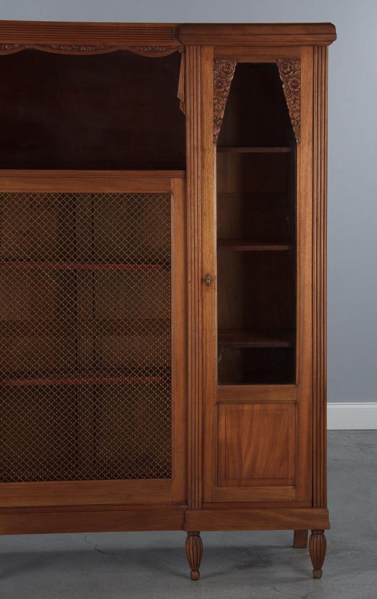 French Art Deco Cherrywood Bookcase, 1930s For Sale 1