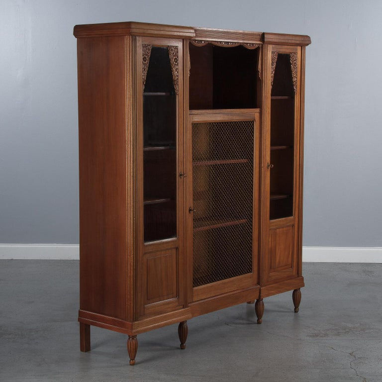 French Art Deco Cherrywood Bookcase, 1930s For Sale 2