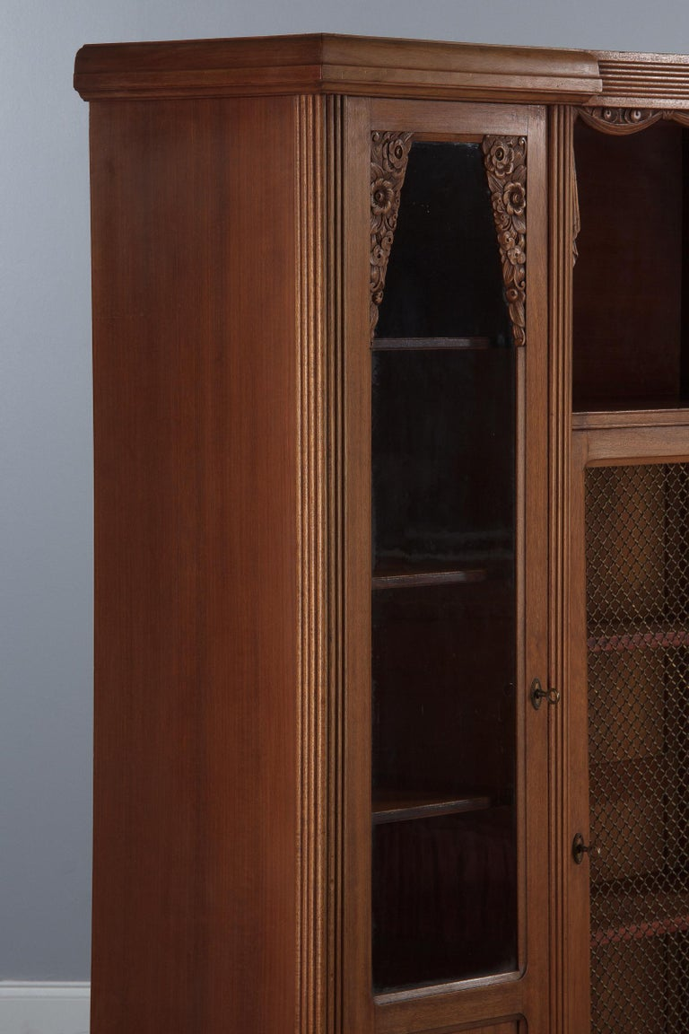 French Art Deco Cherrywood Bookcase, 1930s For Sale 3