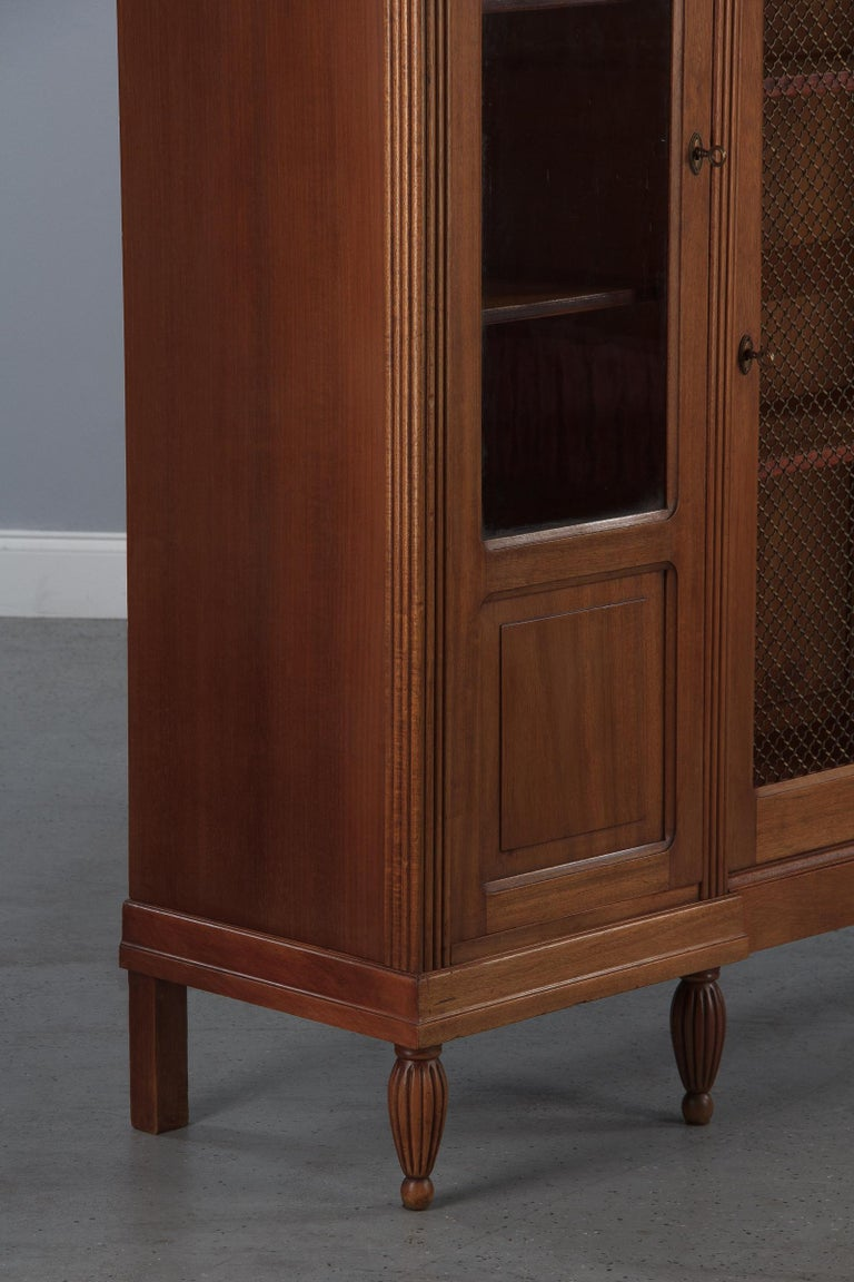 French Art Deco Cherrywood Bookcase, 1930s For Sale 4