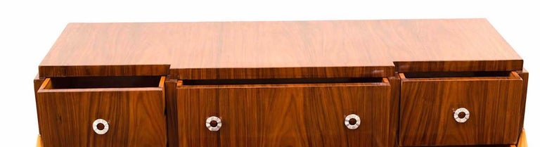 French Art Deco Chest of Drawer or Commode, 1930 For Sale 8