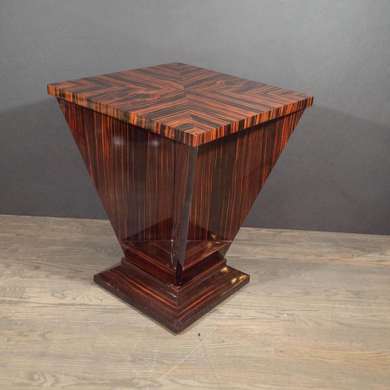 French Art Deco Cubist Occasional Table in Bookmatched Macassar For Sale 6