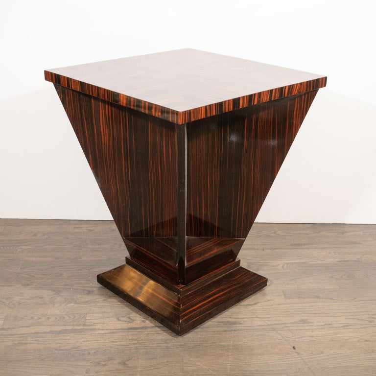 French Art Deco Cubist Occasional Table in Bookmatched Macassar In Excellent Condition For Sale In New York, NY