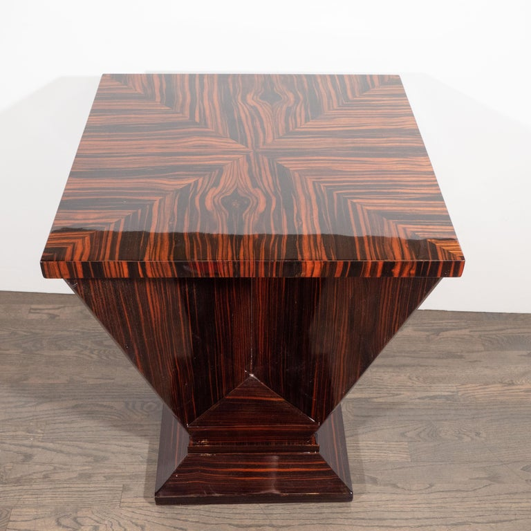 French Art Deco Cubist Occasional Table in Bookmatched Macassar For Sale 2