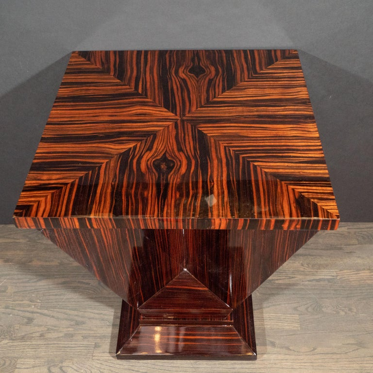 French Art Deco Cubist Occasional Table in Bookmatched Macassar For Sale 5