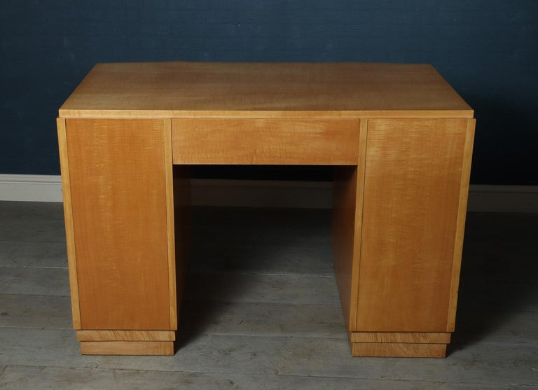 French Art Deco Desk in Sycamore, circa 1930 In Excellent Condition In Paddock Wood, Kent
