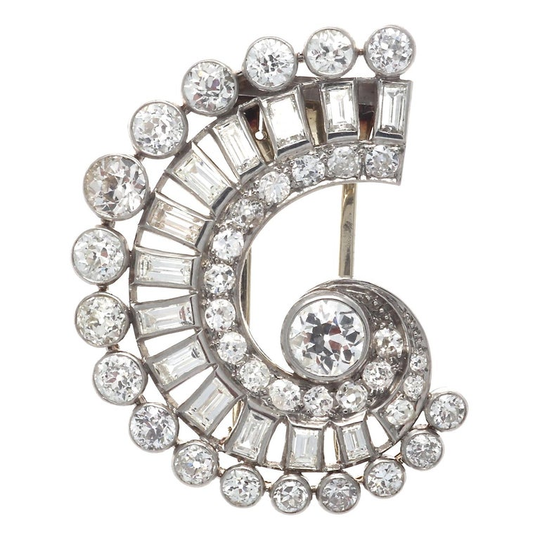 French Art Deco Diamond Platinum Gold Brooch For Sale