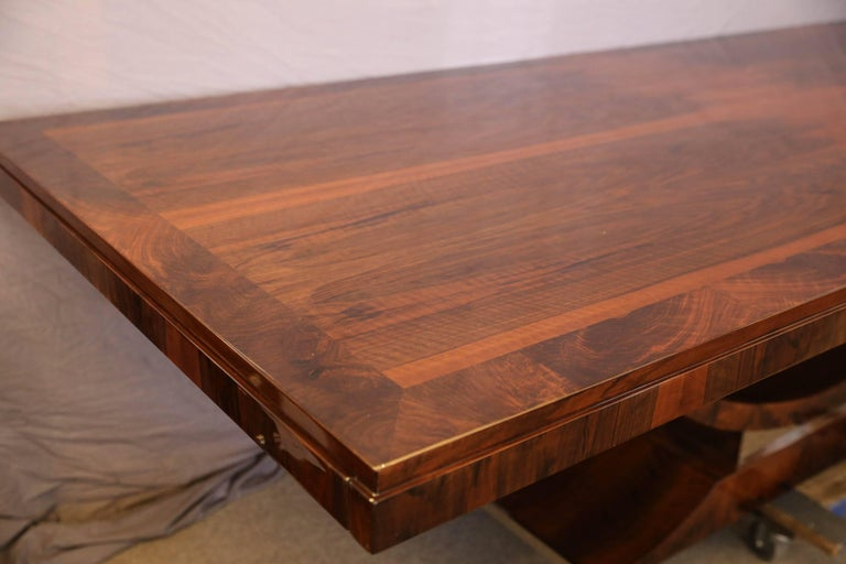 French Art Deco Dining Table In Walnut Excellent Condition For Sale Houston TX