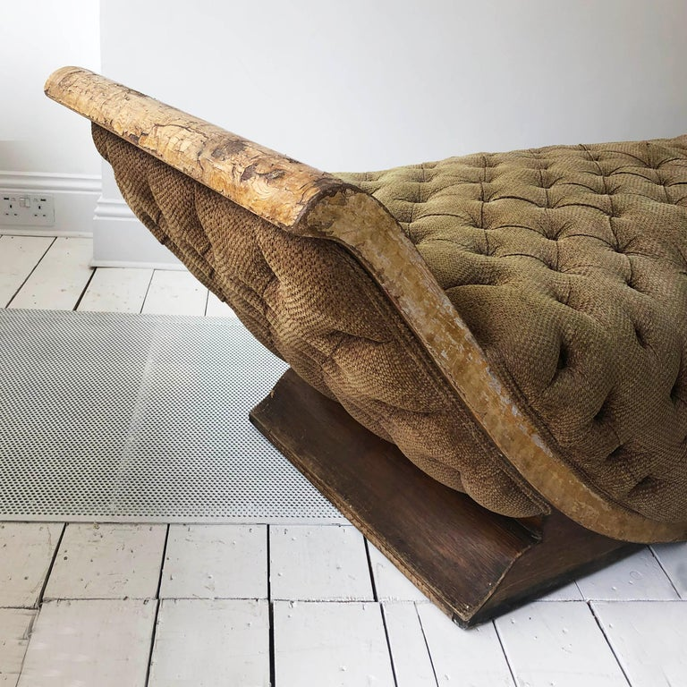 French Art Deco Distressed Gondola Chaise Longue Antique Daybed Vintage For Sale 4
