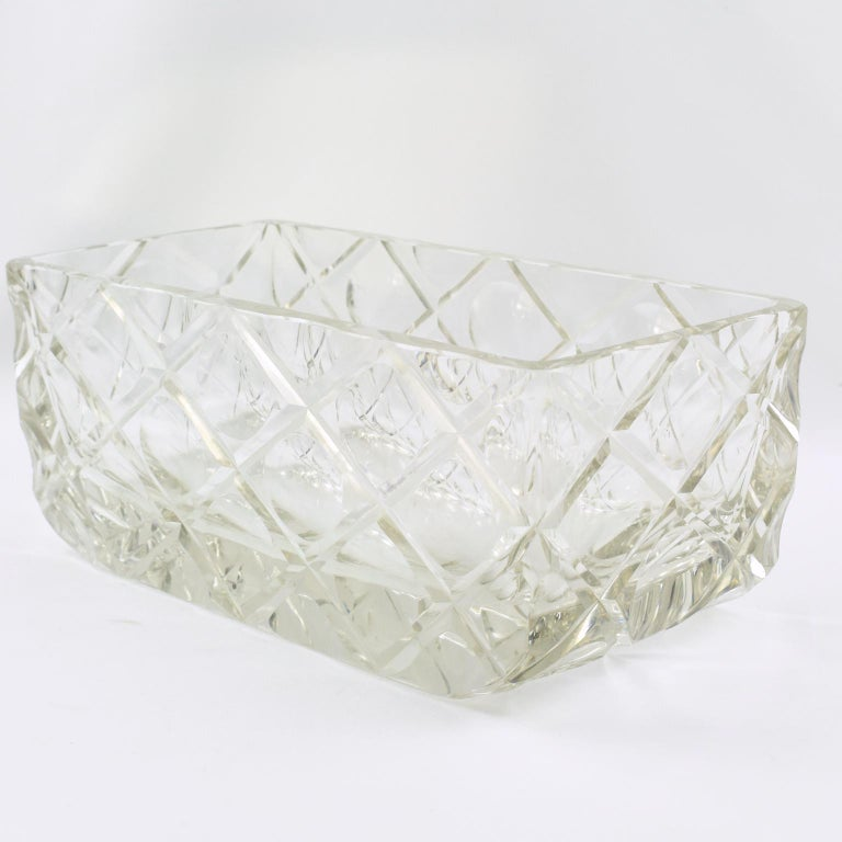 French Art Deco Etched Crystal Centerpiece Bowl Vase Planter In Good Condition For Sale In Atlanta, GA