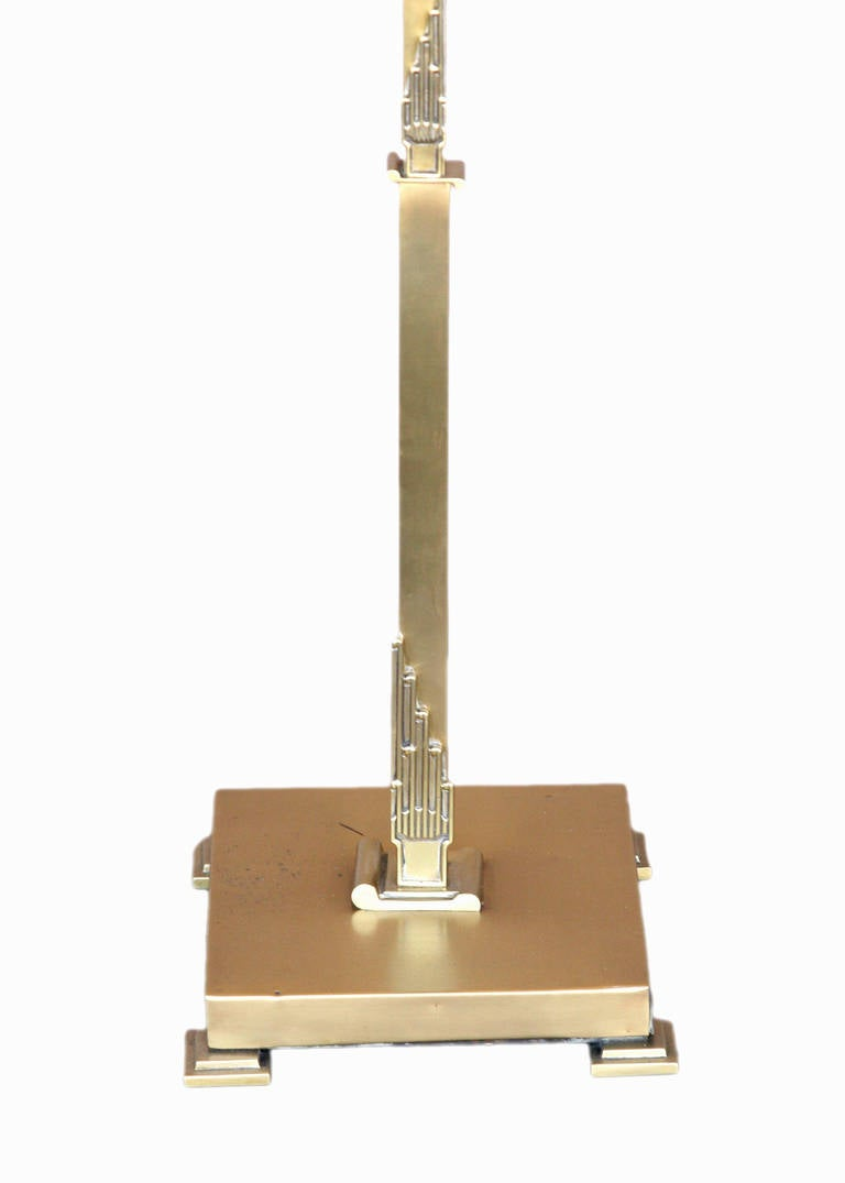 French Art Deco Floor Lamp in Brass In Excellent Condition For Sale In Van Nuys, CA