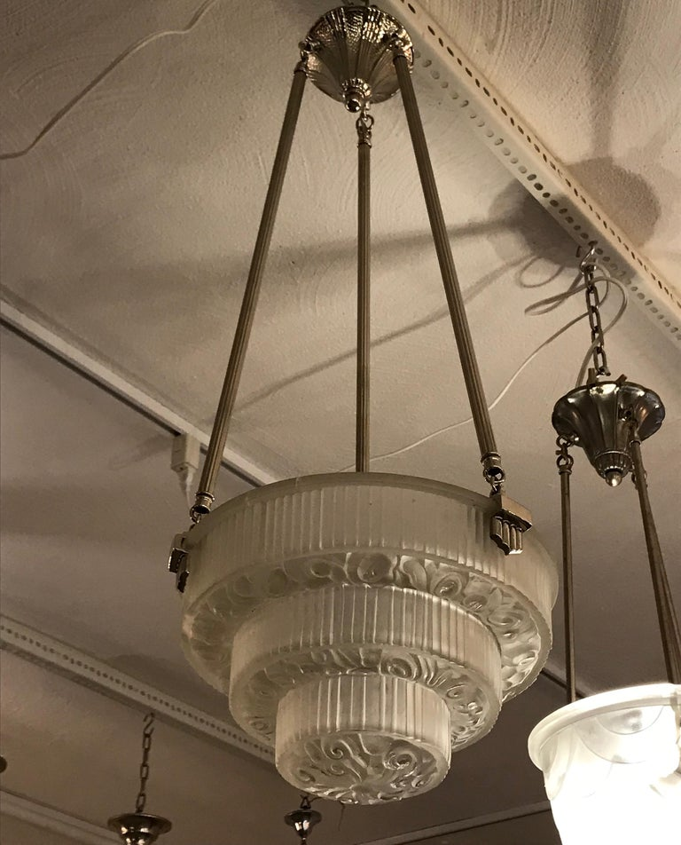 French Art Deco Floral Chandelier For Sale 2