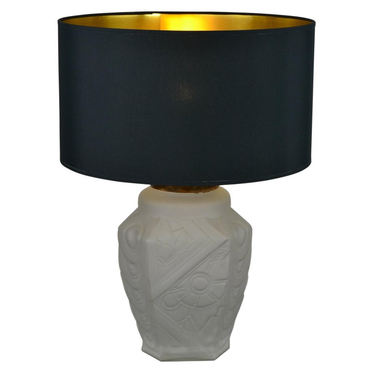 French Art Deco Frosted Moulded Pressed Table Lamp Base in the Style of Degué For Sale